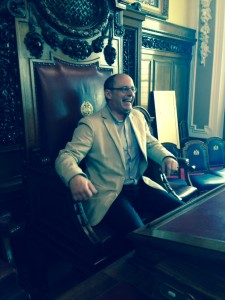 Mayor Juan Carlos Izagirre in the hot seat at City Hall